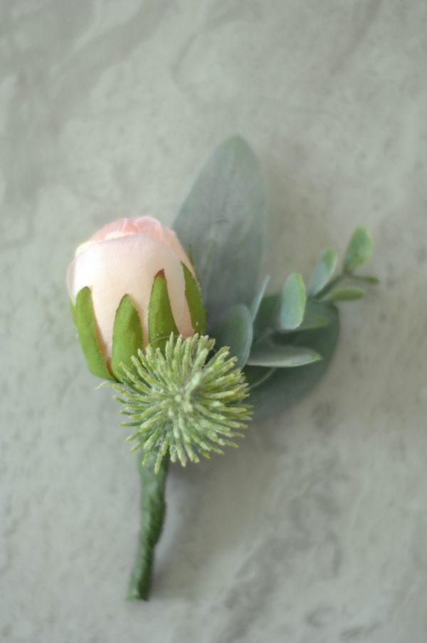 Rebekka collection buttonhole