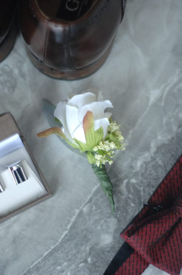 clara buttonhole hire admire blooms