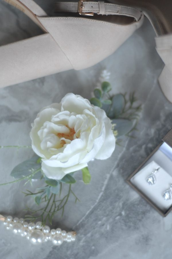 clara corsage hire admire blooms