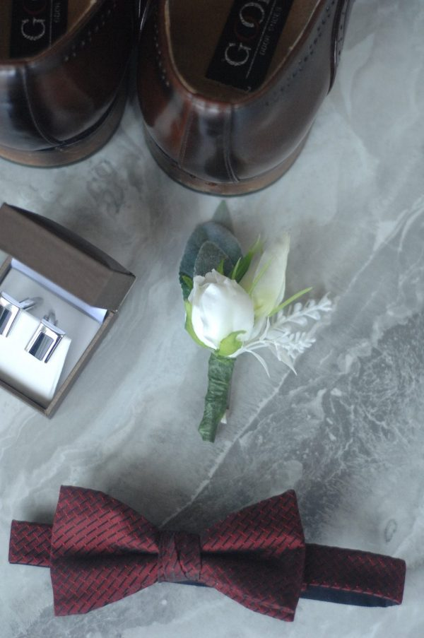 elizabeth buttonhole hire and admire blooms