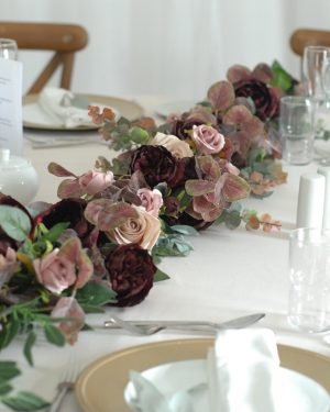 Leah Garland table garland