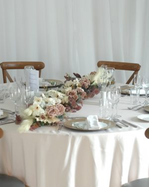 olivia table garland